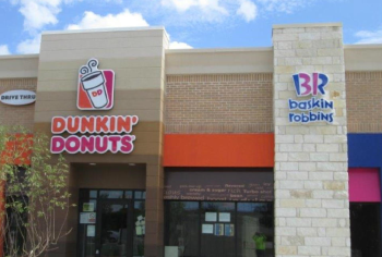 Dunkin_Donuts____BR_Entry_w_Awnings-HD.jpg